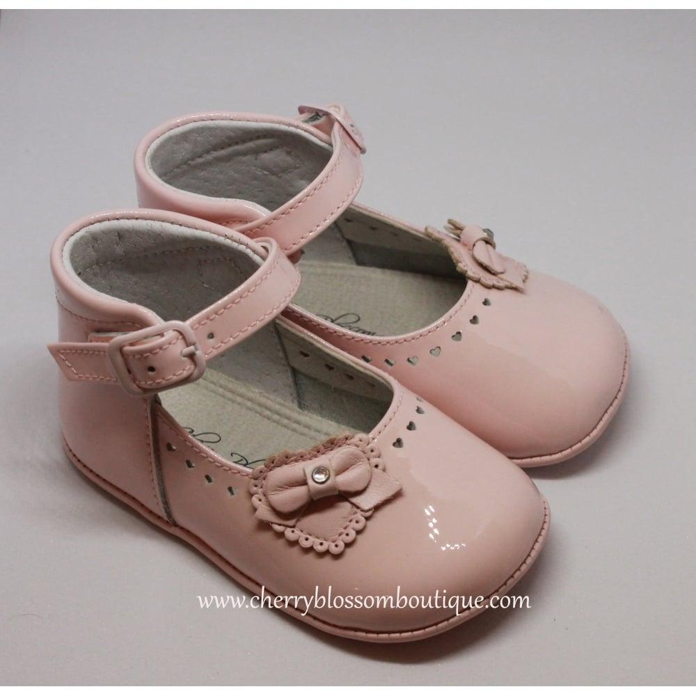 Leon-Baby-Girl-Pink-Patent-Pram-Shoe c9d63941bb2b