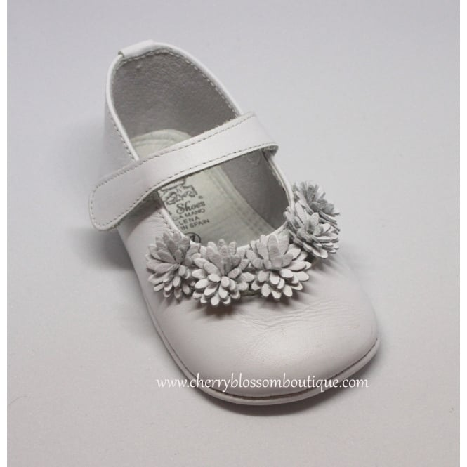 Leon Shoes Baby Girl White Leather Flower Pram Shoe