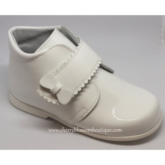 Leon Shoes Girls Patent Boot in White with White Sole