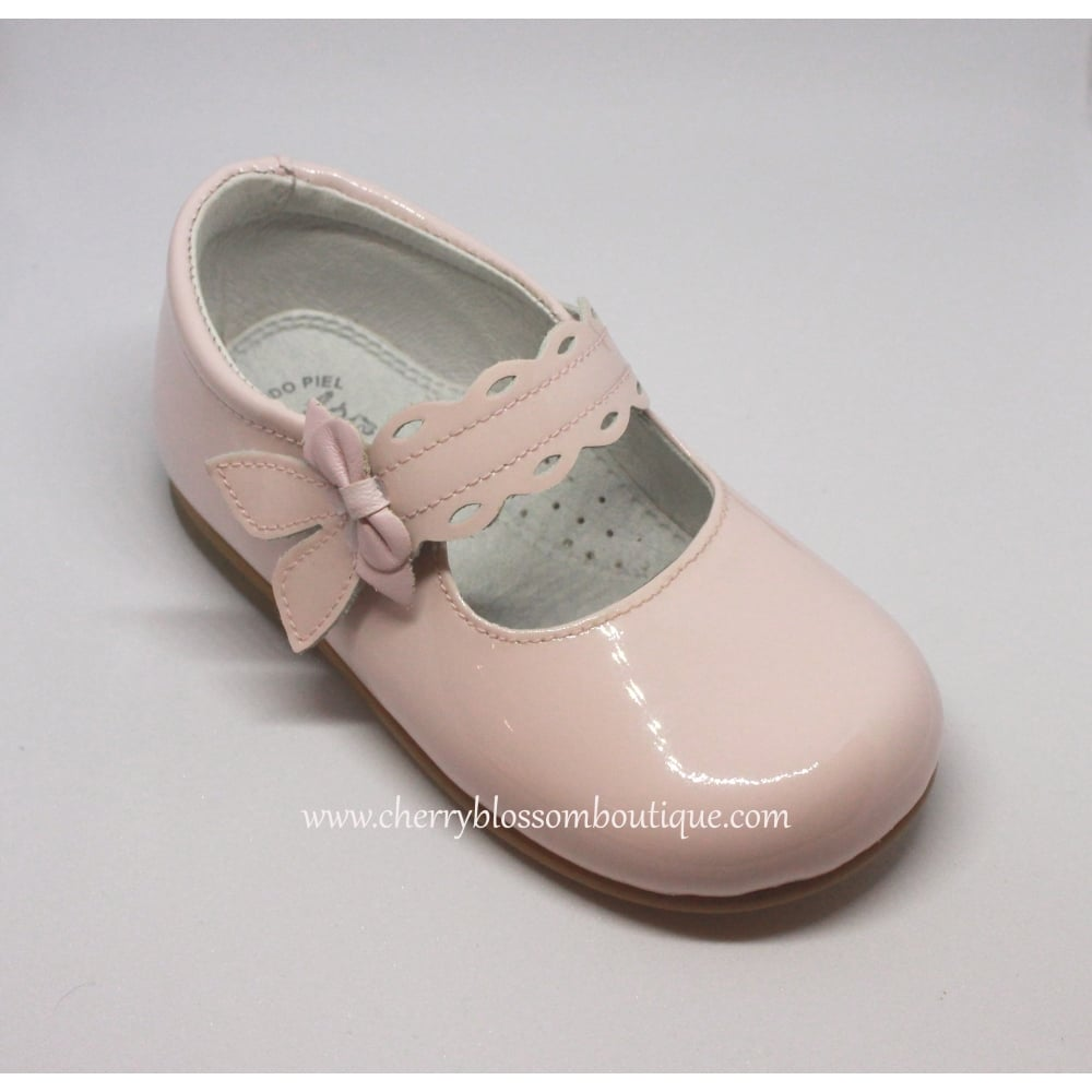 747c3c781b1de Leon-Girls-Pink-Patent-Mary-Jane-Shoe-with-Bow